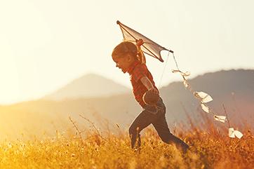 5 zabaw na świeżym powietrzu, które polubi twoje dziecko