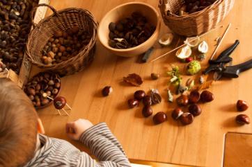 4 pomysły na plastyczne wykorzystanie jesiennych skarbów